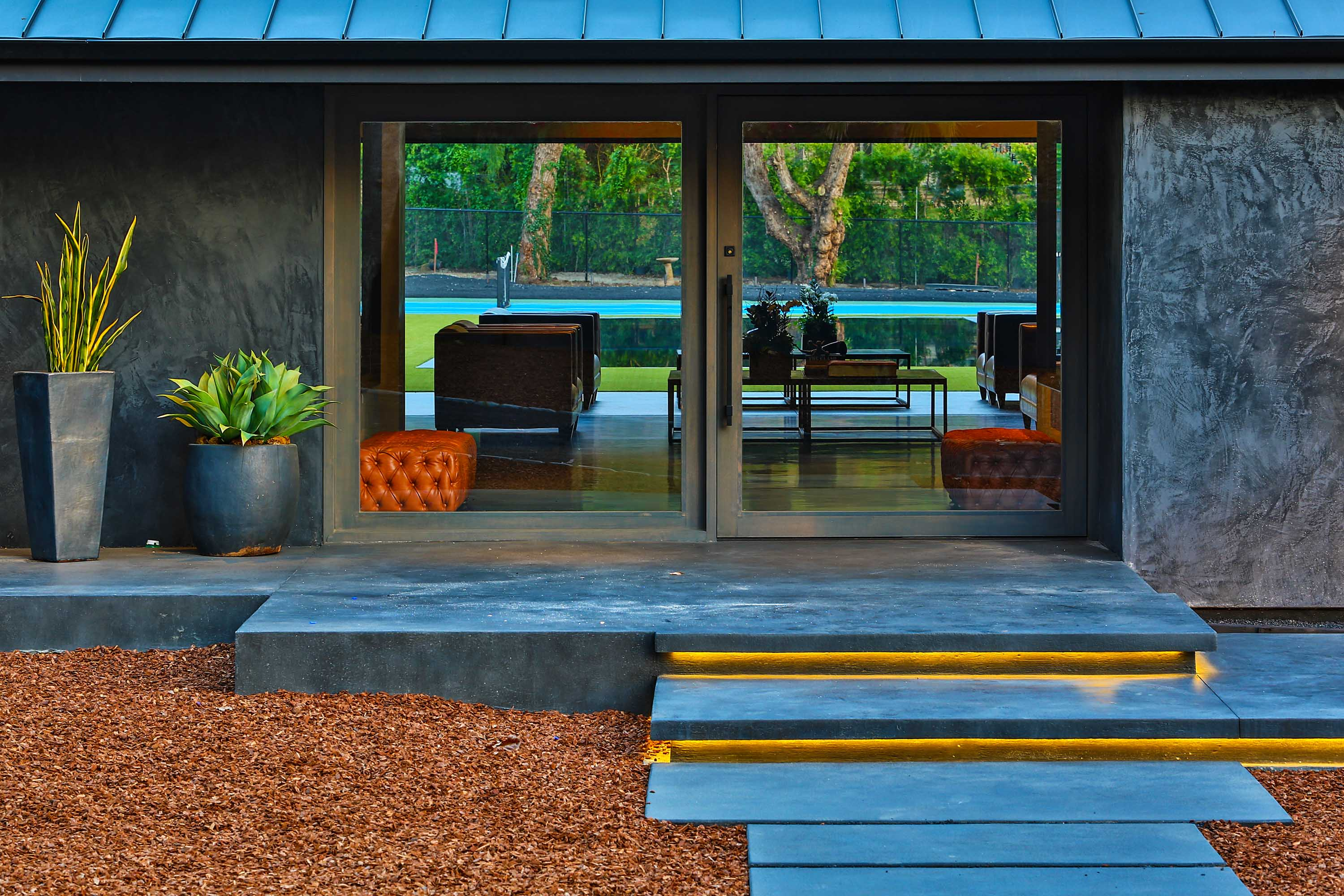 Serra lake house presented by irene dazzan palmer for Lake house photos gallery